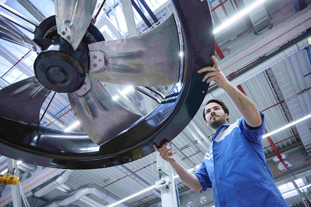 ebm-papst manufactures Industry 4.0-capable products and interlinks production processes.