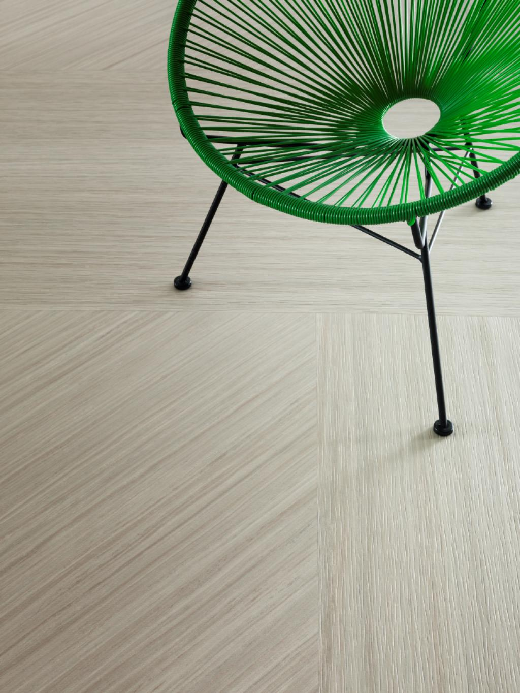 A linoleum with an embossing structure to bring the floor even more to life.